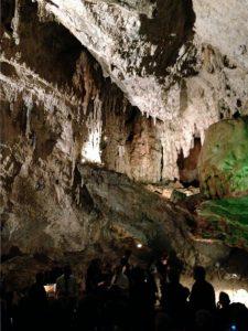 Erster Konzertort: eine Tropfsteinhöhle